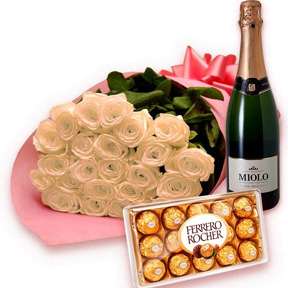 Buquê Luxo de Rosas Brancas com Chocolate e Espumante