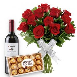 Buque 12 Rosas Vermelhas com Bombons e Vinho