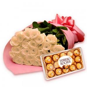 Buquê de rosas brancas com chocolates