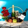 Cesta Duetto de vinhos com chocolates e frutas