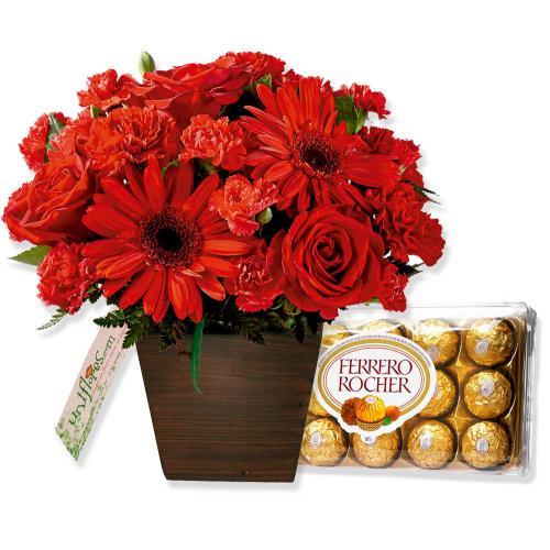 Arranjo com Chocolates e Flores Amor Perfeito