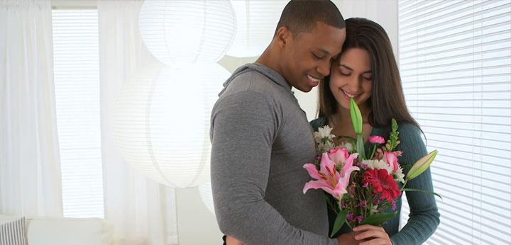 Flores e cestas para ele no dia dos Namorados